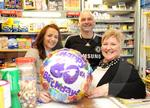 80 years for newsagents 03.JPG