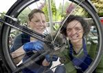 Bike workshops Bellfield Park 04.jpg
