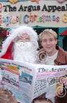 2004-12-1-SANTA_1.JPG