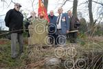 041405M Ex Servicemen get grant to clear up war graves.jpg