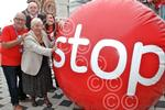 391414LA Dudley Mayor Stoptober stop smoking campaign H
