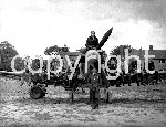 PD1672341@KM WAR HAWKINGE 1942.jpg