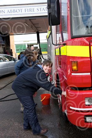 27-03-10 Fire engine wash 04.jpg