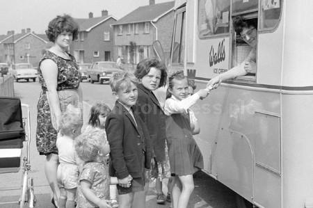 1965 Ollerton Ice Cream Van.jpg