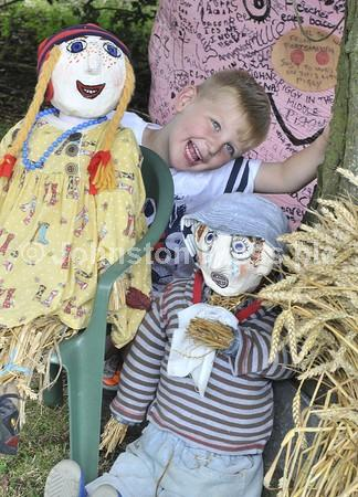 163110p_muston_scarecrows_p.JPG