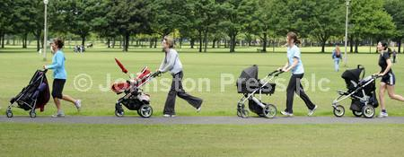 pw.mums keeping fit 002.JPG