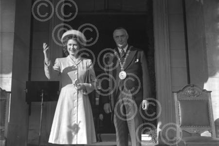 A young Queen Elizabeth at opening of Camperdown Park D