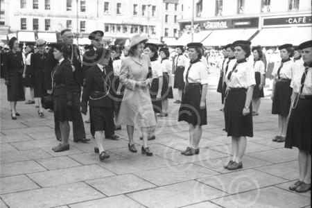 A young Queen Elizabeth visit to Dundee in the city cen