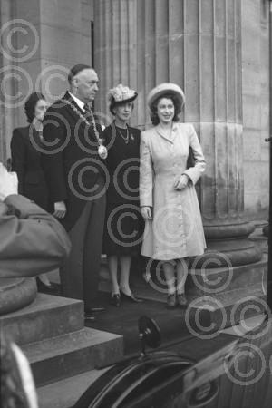 A young Queen Elizabeth visits Dundee for opening of Ca