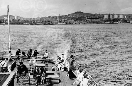 14. A view of Dundee from the Abercraig Ferry (1966).jpg