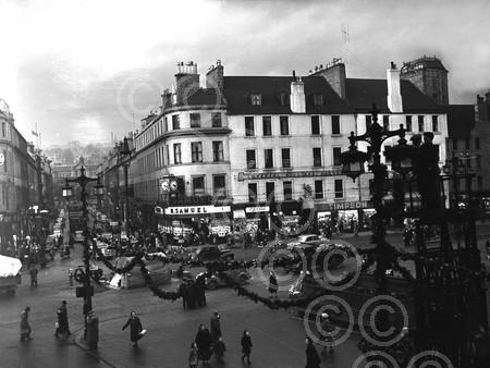 12. December - City Square Dundee at Xmas Time, 1953.jpg