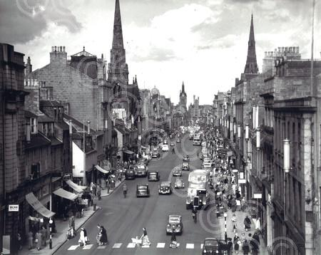 5. May - Cars, busses and people on Aberdeen's Union St
