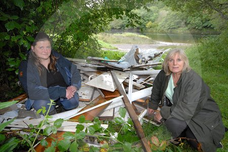 IC_flytipping_beauly_02.jpg