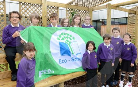 Ben Wyvis primary eco flag 03.JPG