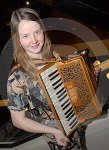 IC_mairearad_green_accordianist_03.jpg