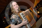 IC_mairearad_green_accordianist_06.jpg