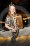 IC_mairearad_green_accordianist_01.jpg