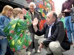 alex salmond yes shop opening 02.JPG