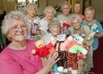 351209MH Pensioners knit teddys for sick children.jpg