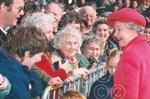 c1495 Queen chats to crowd at Maundy service Norwich 19